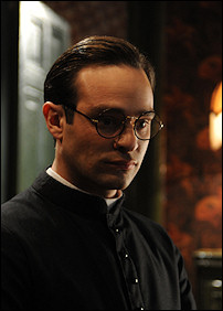 Charlie Cox in rolul Sf. Josemaria